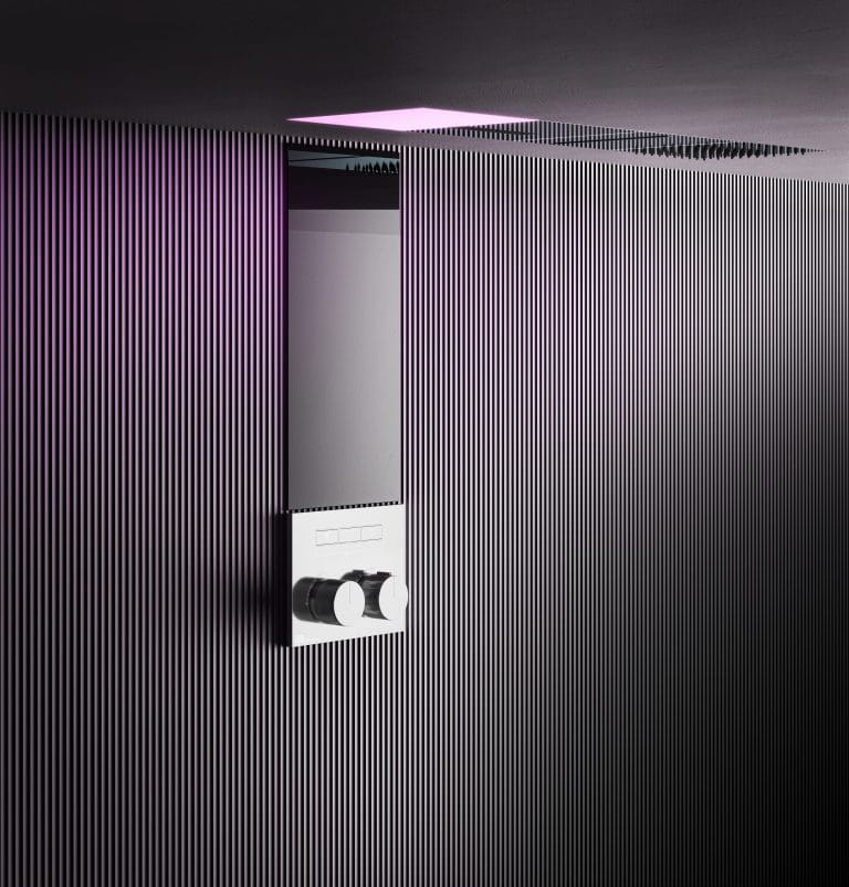 Luxusní černá sprchová souprava s hlavovou sprchou s osvětlením