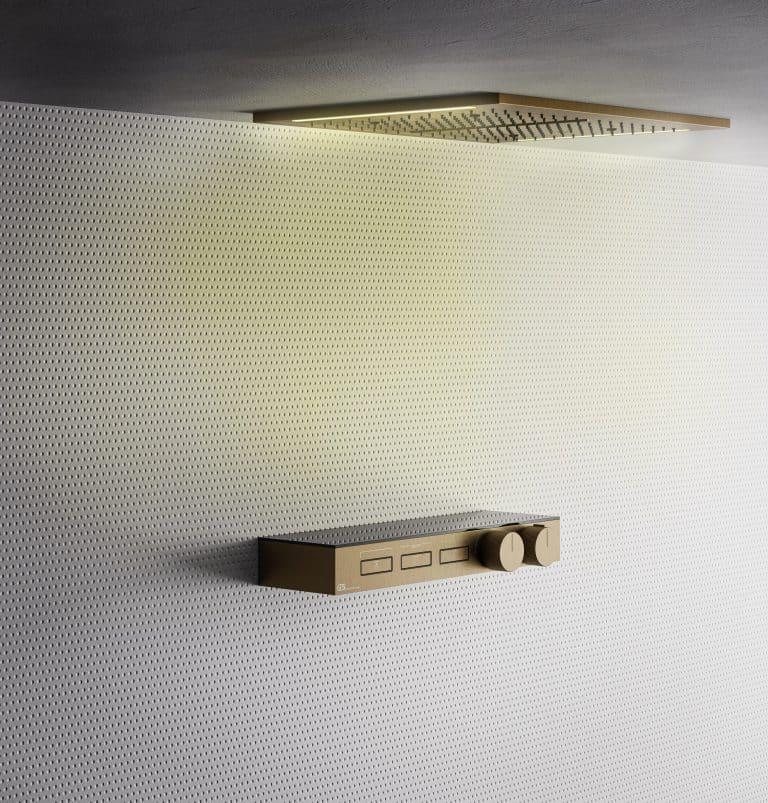 Zlatá sprchová baterie HiFi s odkládací poličkou, zlatá hlavová sprcha v podhledu s osvětlením