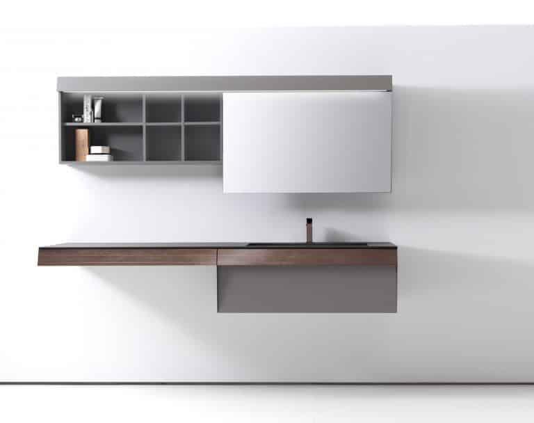 Umyvadlová skříňka ze dřeva, černé umyvadlo, zrcadlo s úložným prostorem