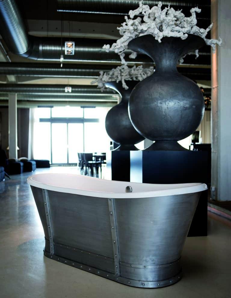 Kovová stříbrná vana v historickém stylu Prince