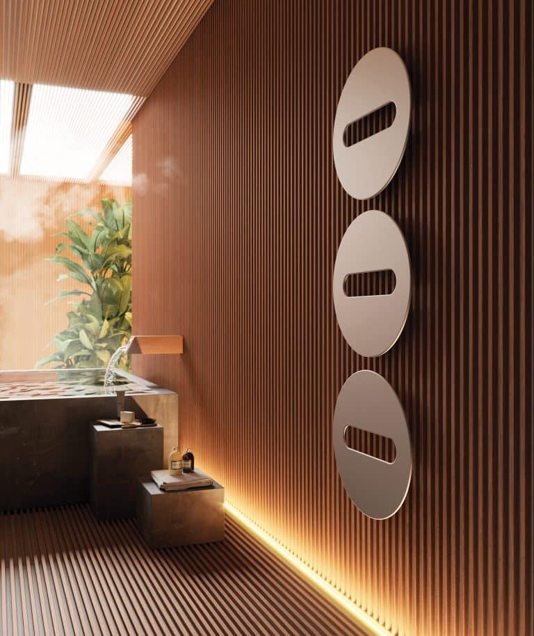 dřevěná stěna se stříbrným designovým radiátorem