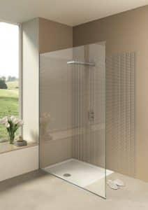 skleněný sprchový kout se zapuštěnou sprchovou vaničkou